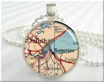Duluth Map Pendant, Resin Charm, Duluth Minnesota Superior Wisconsin, Gift Under 20, Travel Map Necklace Charm 573RS