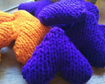 Hand knit hearts for Valentine's Day.