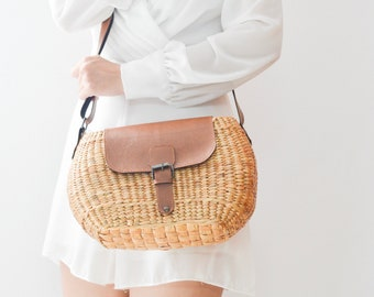 NEW • crossbody bag • cream lining • Straw bag • straw purse • handmade straw bag with brown leather strap and leather lid • L size