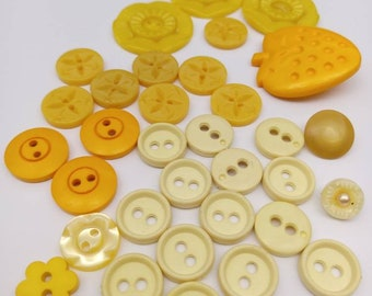 Shades of yellow vintage buttons, creamy yellow, mustard, destash!