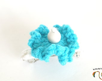 5 cm, flower, blue hair clip turquoise blue and white crochet hair clip