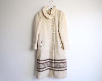 VINTAGE Coat Blanket Coat Cream Fuzzy Wool High Collar Womens Small