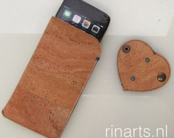 iPhone 6 (s) and 7 case in cork, lined with blue wool felt. With HEART cable organizer. Eco friendly gift.