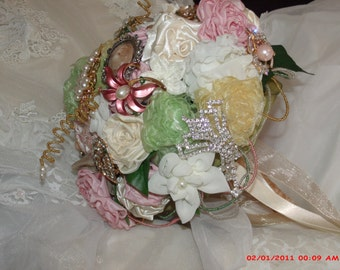 Victorian Romance Bridal Brooch Bouquet