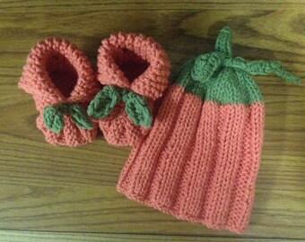 Baby Pumpkin hat & booties set