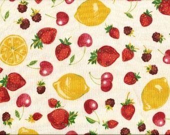 Tissu  pour Patchwork et Loisirs créatifs / Cerises, fraises et citrons