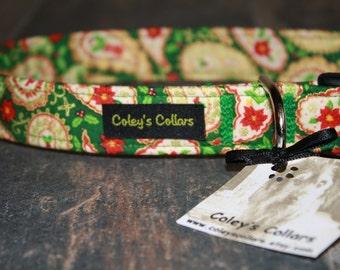 """Christmas Dog Collar """"The Christmas Paisley in Green"""""""