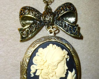 Cameo photo Locket necklace holder girl and Dove