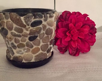 Medium rock Flower Pot