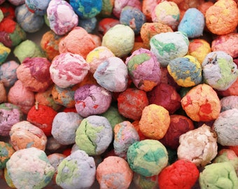 50 Seed Bombs / Seed Pompoms, Plantable Paper , Rainbow Mix, eco friendly, recycled table decorations