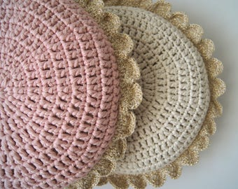 Crochet pillow. Round pillow. Crochet cushion. Coussin crochet. Cojin ganchillo. Crochet home decor. Nursery decor. Baby decor.