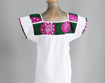 Vintage Mexican Blouse. Mexican Embroidered Blouse. Embroidered Mexican Top. Mexican Huipil