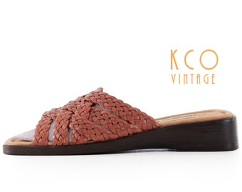 Woven Leather Sandals Women's Size 7 Brown Wedge Flats / 1990's Boho Vintage Summer Shoes Slides Mules Retro Sandal US7 / UK 5 / EUR 37 - 38