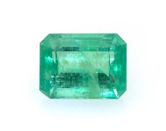 Emerald-cut natural emerald, weight: 1.40 ct.