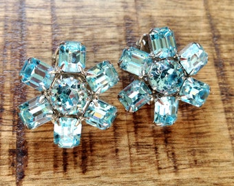 Weiss crystal snowflake ice blue faceted clip on earrings mid century