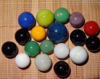 Lot of 18 Vintage Solid Color Marbles / Toy Marbles / Game Marbles / Glass Marbles / Craft Supplies