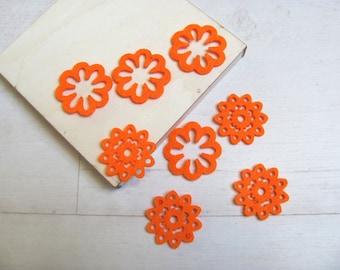 Set of 8 felt flowers color orange