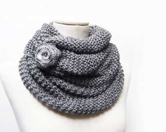Chunky Hand Knit Cowl, Grey Infinity Scarf with Flower, Wool Cowl Scarf, Knit Tube Scarf, Knitted Snood, Grey Circle Scarf, Chunky Cowl