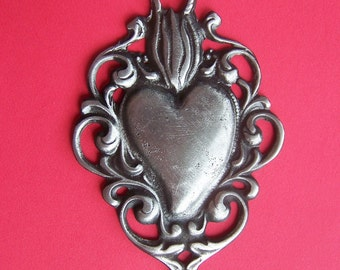 Tin/Silver Sacred Heart with Scrolls Milagro Ex Voto