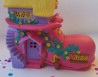 1995 Teeny Weeny families School House Shoe Playset
