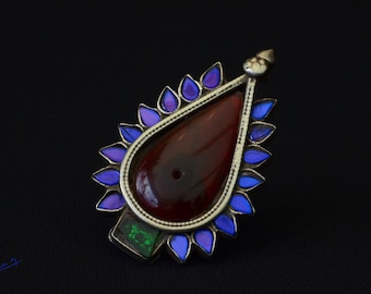 Old Afghan tribal ring in silver and glass. Antique Kuchi ring in silver and glasswork.