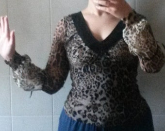 Leopard-cut evening t-shirt with sequin neckline. Size S/M ITA. Used, Vintage years ' 90. Retro, Saturday Night Fever