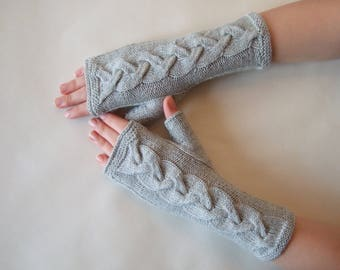 Knitted of 100 % baby MERINO wool. Light GRAY fingerless gloves, wrist warmers, fingerless mittens. Handmade gloves. Cable gloves.