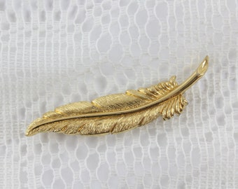 Vintage Monet Feather Brooch - Vintage Costume Jewelry - Gold Tone Feather Pin - Bohemian Chic Jewelry