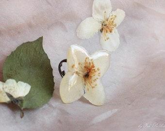 Ring with jasmine flower
