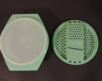 VTG Tupperware Cheese Vegetable Grater Green Bowl With Lid/Three Piece