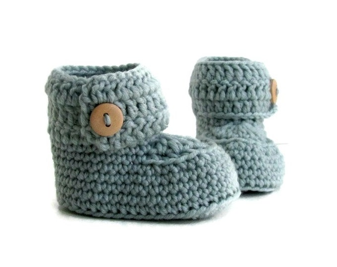 Featured listing image: Short Button Cuff Baby Booties