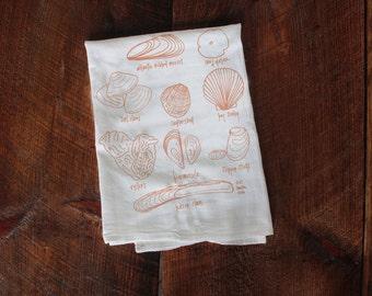 Kitchen towel Seashells, shells towel, seashells dish towel, beach towel, shore gift, seashell gift, beach house gift, hostess gift, summer