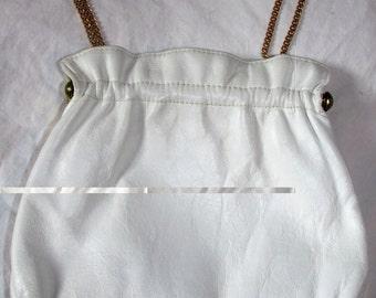 Wedding Purse White Leather Purse Handbag Gold Metal Frame Kiss Clasp 1960s 60s Chain Handle DIY Wedding Bridal Bag