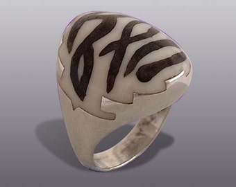 ZEBRA RING. Silver Art.