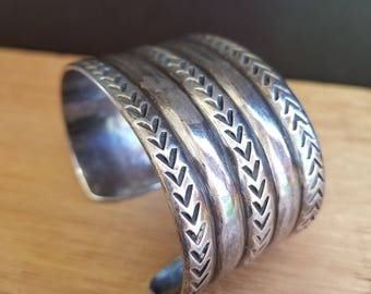 Heavy Sterling Silver Stamped and Filed Bracelet Cuff Navajo Native American 71.2g