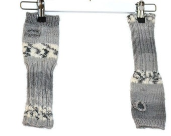 Grey/multicolored armwarmers