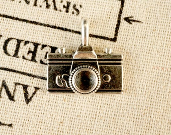Camera 3 antique silver vintage style pendant jewellery supplies C249