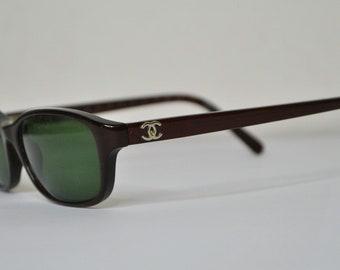 Vintage sunglasses CHANEL Rare Bordeaux Green lenses designer