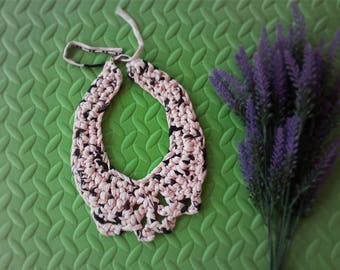 Trapillo bib necklace pink print