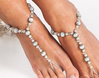 Victorian style Bridal foot jewelry Pearl and Crystal Beach wedding Barefoot Sandals Wedding jewelry Bride accessory Beaded Barefoot Sandals