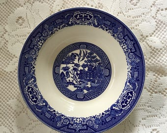 Blue Willow Serving Bowl, Willow Ware Serving Bowl, Royal China, Blue Willow Bowl, Willow Ware Bowl, 1970s Blue Willow Bowl, Blue And White
