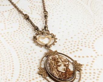Le Coquette - Gold heart . Steampunk Necklace