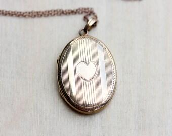 Locket Necklace Gold, 10K Gold Locket, Oval Gold Locket, Pure Gold Locket, Heart Locket, 10K Locket, Oval Locket, Engraved Locket, Locket