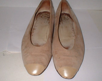 Joan and David Biege Suede Ballet Flats Shoes Slip Ons Gold Toe Tips Size 7 M