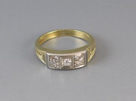 Vintage Art Deco 14k green gold and platinum diamond wedding band ring, size 7.5