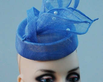 Perwinkle feature pillbox percher fascinator by Hats2go