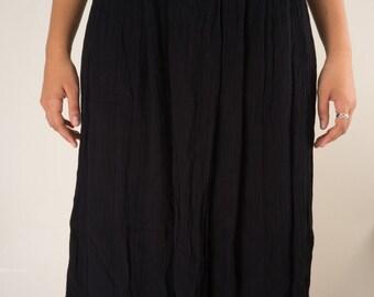SALE**Black Midi Skirt (M/L)