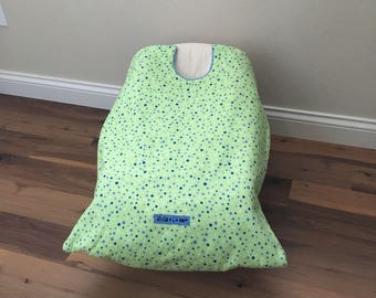 car seat blanket, car seat cover, infant carrier blanket, Green Polka Dot Snug L Bee, baby accessory, baby winter travel, unique baby gift