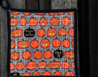 Quilted Pumpkins and Ghouls Riley Blake Witch Hazel Potholder 9in square 100% Cotton with Insulbright filling