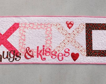 Hugs and Kisses table runner
